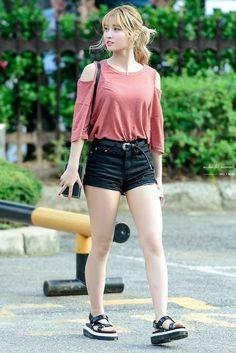 Pin on Momo Korean Fashion Trends, Asian Fashion, Cute Young Girl, Cool Girl, Beautiful Asian Girls, Skirt Outfits, Asian Woman, Kpop Girls, Asian Beauty