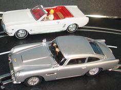 James Bond Toys Vintage | Carrera Evolution 1:32 James Bond Goldfinger Ford Mustang Convertible ...