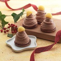 Meiji dessert gift pacage comes in 4 little cute Mont Blanc!