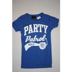 stoer en mooi outfitters nation shirt , mooie kleur, leuk te combineren met een broek uit de shop tweedehands kinderkleding