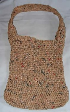 I WANT TO LEARN HOW TO CROCHET! I need to make some of these bags. I have a million plastic bags at home to use for these. Part of my new years resolution to cut down on waste.