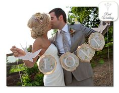 Katheryn + Justin June 2010 North Carolina We are in awe of this vintage, shabby chic wedding. The bride definitely did her research on the exact style she wanted in order to make her day unique. She started with the theme of birds and birdcages and this was the amazing outcome. Can't decide which part …