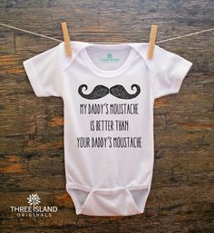 Cute and Funny Movember Onesie for Baby par ThreeIslandOriginals, $14.95