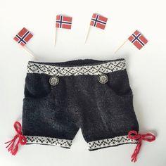 Bunad For babies! Creative Things, Baby Knitting, Norway, Knits, Short Dresses, Nursery, Babies, Swimwear, Inspiration