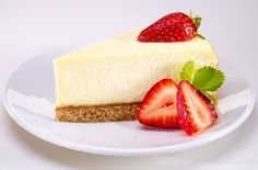 This easy strawberry cheesecake is wonderfully delicious & makes the perfect end to decadent dinner. Head to Tesco Real Food for more cheesecake recipes. Cheesecake Tarts, Strawberry Cheesecake, Strawberry Recipes, Basic Cheesecake, Strawberry Blueberry, Tesco Real Food, Real Food Recipes, Cooking Recipes, Yummy Food