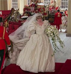 Beautiful princess Diana exiting the carriage at Buckingham palace on her wedding day July 29, 1981.
