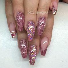 solinsnaglar | User Profile | Instagrin | Pink shattered glitter nails #pinknails