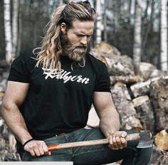 Oficial de la marina de Noruega es la reencarnación de Thor