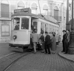 Photo did not have a date. It was taken during the active years of Estúdio Mário Novais: Old Pictures, Old Photos, Cat Work, Tramway, What Cat, Bus, Most Beautiful Cities, Old World Charm, Public Transport