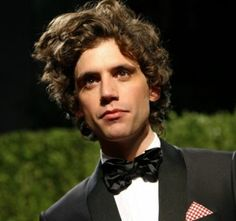 MIKA i sooooo want at least one of his awesome albums one of these days!!!!! Grace Kelly song is my all time fave :)