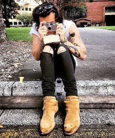 When his second pair of famous boots turns ratchet. What is the fandom going to do?