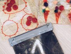 Unicorns & Fairytales - Een Belgische mamablog met een mix van Fashion en Lifestyle, ervaringen en tips van een mama/juf. Met kidsfashion en leuke musthaves! Sensory Play, Pom Poms, Monochrome, Diys, Lifestyle, Wooden Dollhouse, Monochrome Painting, Bricolage, Do It Yourself