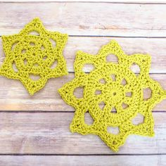 Chunky Crochet Doily Pattern in Two Sizes http://www.petalstopicots.com/2014/06/chunky-crochet-doily-pattern/