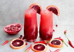 Spicy Blood Orange Tequila Sunrise | The sweetness from the pomegranate and the spicy from the thai chili make this drink so insanely good.