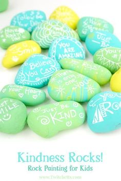 How to easily make kindness rocks with your kids. Easy Crafts For Kids, Summer Crafts, Creative Crafts, Diy For Kids, Pebble Painting, Pebble Art, Stone Painting, Painting Art, Painting Videos