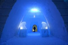 We wander around this magnificent fortress, visiting the Snow Hotel, the Snow Restaurant and the Snow Chapel while pondering the meaning of ice. Meanwhile In Finland, Snow Forts, Snow Castle, Ice Art, Ice Castles, Ice Sculptures, Secret Places, Step Inside, Snowmen