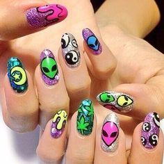 Trippy nail envy