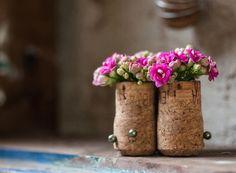 Transforme objetos inusitados em vasos para as plantas