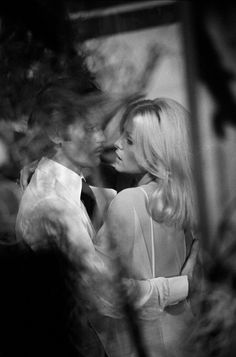 Virna Lisi and Helmut Berger in Un beau Monstre directed by Sergio Gobbi, 1970
