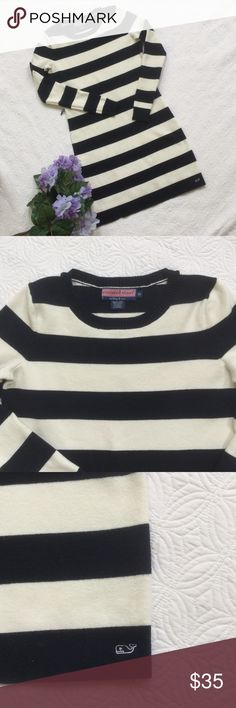 """Vineyard Vines striped sweater dress This sweater dress by Vineyard Vines is size XS. 79% cotton, 19% nylon & 2% spandex. Super soft! Armpit to armpit approx. 16 1/2"""". Length from back of neck approx. 32 3/4"""". The original blue sweater belt is missing but any belt would work! A great dress for fall! Vineyard Vines Dresses"""