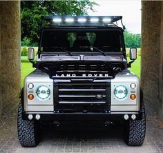Land Rover Defender So Nice face. Land Rover Defender 110, Defender Td5, Landrover Defender, Best 4x4, Offroader, Off Road Adventure, Land Rover Discovery, Nice Face, Range Rovers