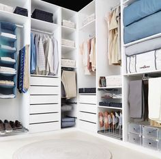 Mi macetero de piña - Leroy Merlin Walk In Wardrobe, Walk In Closet, Animal Crafts For Kids, Office Storage, Dressing Room, Organization Hacks, Sweet Home, Room Decor, Furniture