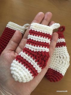 I made small socks for the decoration of christmas tree.Socks small enough to fit in the palm of your hand. Crochet Christmas Ornaments, Christmas Stockings, Crochet Home, Free Crochet, Miniture Things, Arm Warmers, Mittens, Crochet Patterns, Knitting