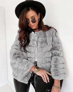 Fur Coat, Winter Jackets, Outfit, Fashion, Winter Coats, Outfits, Moda, Winter Vest Outfits, Fashion Styles