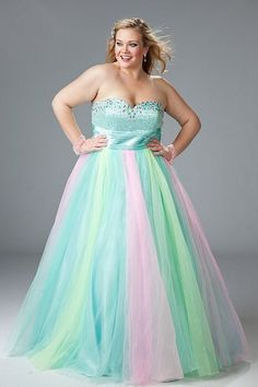 Full-Figure Dresses and Plus-Size Prom Gowns -PromGirl Evening Dresses Plus Size, Plus Size Dresses, Quinceanera Dresses, Vestido Strapless, Rainbow Wedding Dress, Full Figure Dress, Look Plus Size, Dresser, Ball Gowns Prom