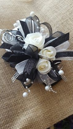 Black and white corsage. Prom Corsage And Boutonniere, Corsage Wedding, Boutonnieres, Broach Bouquet, Corsages, Prom Flowers, Bridal Flowers, White Flowers, Black Corsage