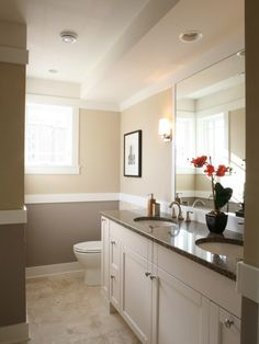 Two colors wall.  Traditional Bathroom Design, Pictures, Remodel, Decor and Ideas - page 13