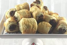 Sausage Rolls Recipe Best Sausage Roll Recipe, Baking Recipes, Cake Recipes, Pastry Recipes, Bite Size Snacks, Homemade Pastries, South African Recipes, Sausage Rolls, Rolls Recipe