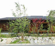 写真01|N様邸/ラフィネ/OM/トラッド(H28.4.21更新) Japanese House, Exterior Design, Gazebo, Construction, Outdoor Structures, House Design, Sora, Landscape, Wall