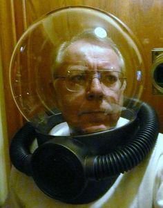 Simon Thelning — Cardboard Space Helmet Astronaut Helmet, Astronaut Costume, Halloween Borders, Costumes 2015, Halloween Costumes, Space Costumes, Space Girl, Classic Sci Fi, Vintage Space