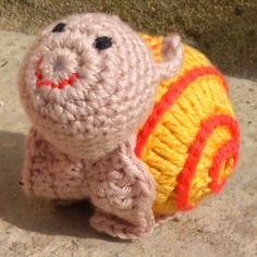 Doudou escargot au crochet 100% coton