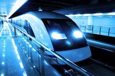 Tren Maglev - Tren de levitación magnética de Shanghái en el aeropuerto de Pudong