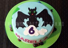 How to train your dragon cake. www.sweetcoutures.com.mx Dragon Birthday Cakes, Dragon Cakes, 2nd Birthday, Birthday Parties, Birthday Stuff, Toothless Party, Dragon Party, Cake Craft, How To Train Your Dragon