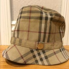 Authentic BURBERRY LEATHER HAT✳️*Holiday Price!* Never worn Burberry by PHILIP TREACY MADE IN FRANCE RARE & VINTAGE NO LONGER MADE  100% LEATHER LEDER CUIR  Lining 100% Cotton  Size Medium (Runs small) Burberry Accessories Hats