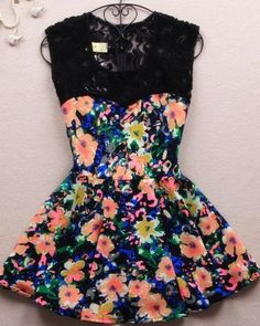 Perfect floral dress for Spring/Summer Love the summer colors