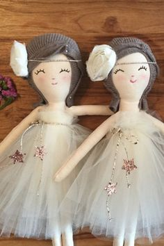 Sophie in white tutu dress - The Twin Travel Sisters Collection - Handarbeit Doll Toys, Baby Dolls, Robes Tutu, Sewing Dolls, Soft Dolls, Doll Crafts, Fabric Dolls, Doll Patterns, Beautiful Dolls