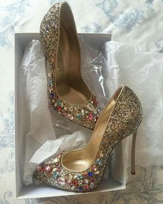 Pretty Shoes, Beautiful Shoes, Cute Shoes, Me Too Shoes, Stilettos, Pumps Heels, Jeweled Shoes, Embellished Shoes, Bling Shoes