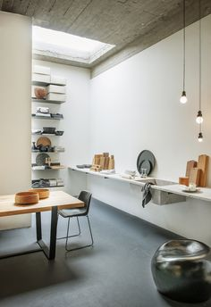 Magazyn is an homewares store based in Antwerp, Belgium. A must see for all design discerning travellers.