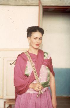 Frida K.: The taste of Petrol and Porcelain | Interior design, Vintage Sets and Unique Pieces www.petrolandporcelain.com   LA CASA AZUL