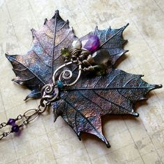 Find images and videos about nature, amuleto and wicca bruxa on We Heart It - the app to get lost in what you love. Jewelry Crafts, Jewelry Art, Beaded Jewelry, Jewelry Design, Silver Jewelry, Etsy Jewelry, Gold Jewellery, Silver Earrings, Handmade Jewelry Tutorials