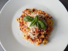 Výborný Kuskus se sušenými rajčaty - Recepty pro každého - Videorecepty Bon Appetit, Quinoa, Cooking, Breakfast, Ethnic Recipes, Fitness, Risotto, Diet, Bulgur