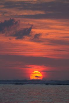 tupac: Sunset over the Indian Ocean by Sardionerak