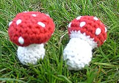 Crochet fly agaric guide - Caroline R. Häkel-Fliegenpilz Anleitung Crocheted Toadstool Instructions - Fine Stitching: sewing for kids, free sewing patterns, embroidery files, fabrics and more. Sewing Patterns Free, Free Sewing, Crochet Patterns, Crochet Ideas, Single Crochet Stitch, Basic Crochet Stitches, Crochet Gifts, Knit Crochet, Flower Art Images
