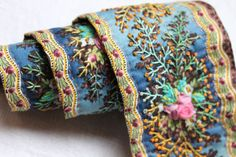 lawhimsy:   Embroidered Ribbon via Chez Facile Cecile ~ La