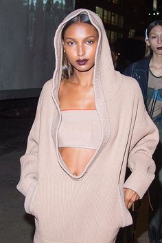 Jasmine Tookes sports a trend you should try.