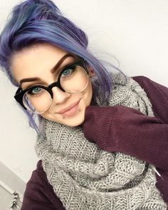 New piercing eyebrow eyelashes ideas Grunge Hair, Love Hair, Purple Hair, Messy Hairstyles, Dyed Hair, Hair Inspiration, Eyebrows, Makeup Looks, Hair Makeup